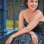 Rachel Calloway